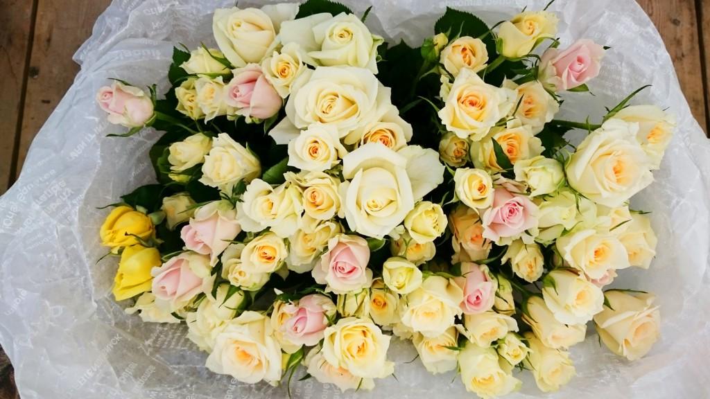 法要用バラの花束