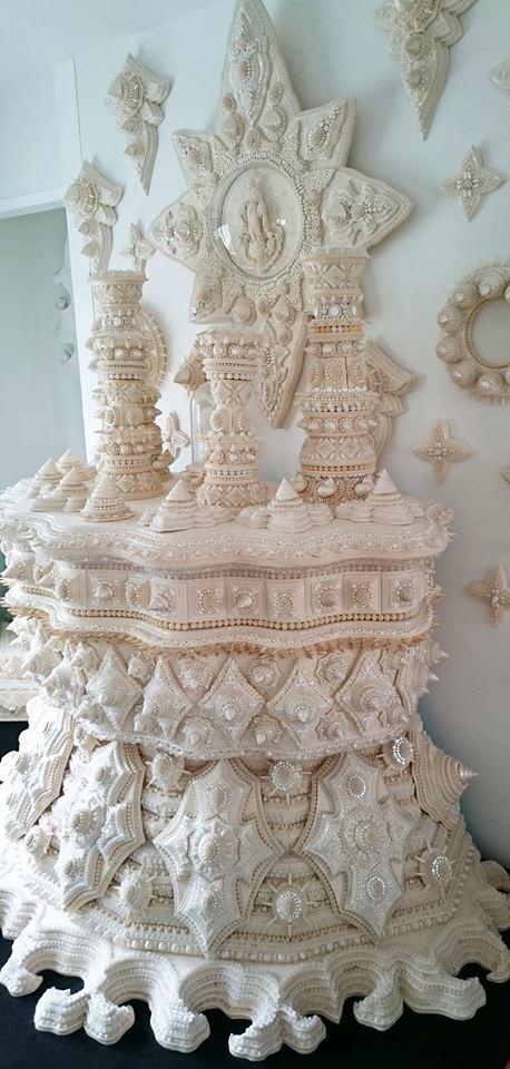 全てがフェルトで作られ ビーズや貝があしらわれた 尚代先輩のアート作品