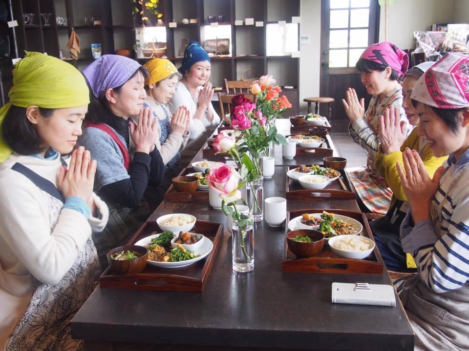 マクロビカフェ・今治の Cafe Magnoliaさん 開店10周年の記念日