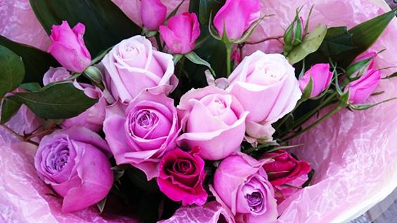 ピンク系バラの花束4