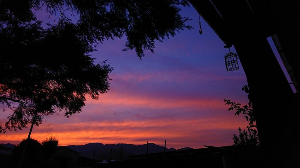 ハウスから見た美しい夕景
