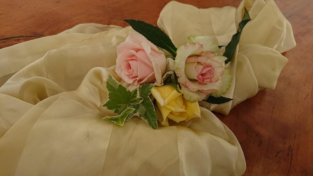 【満席】【9/24】ベルローズ花びら染め教室(2)~波動バラの命を纏う~