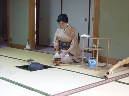護国神社奉茶